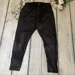 Torrid 2 black leggings mesh plus faux leather